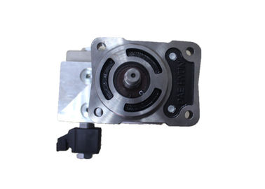 China Original New R520LC Hydraulic Gear Motor , R480-9 Hydraulic Fan Drive Motor 31Q4-30202 distributor